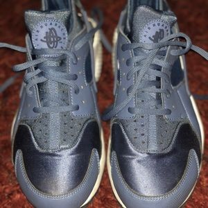 Women's Nike Huaraches